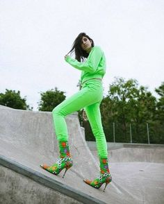 These Green-Shirt Outfits Are Sure to Stand Out This Winter ... 62d34e6ea