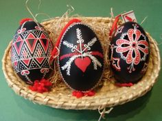 Traditional Easter eggs from Bela krajina, Slovenia Eastern Eggs, Easter Traditions, National Holidays, Egg Decorating, Slovenia, Arts And Crafts, Traditional, Eastern Europe, Christmas Ornaments
