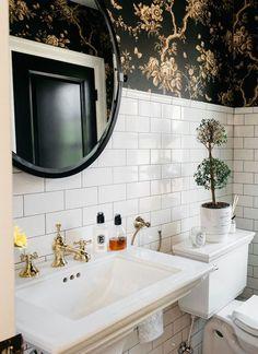 wunderschönes Badezimer schwarz-weiss