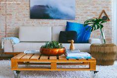 11-decoracao-arranjo-cactos-mesa-centro-pallet-sala-estar-tijolinho