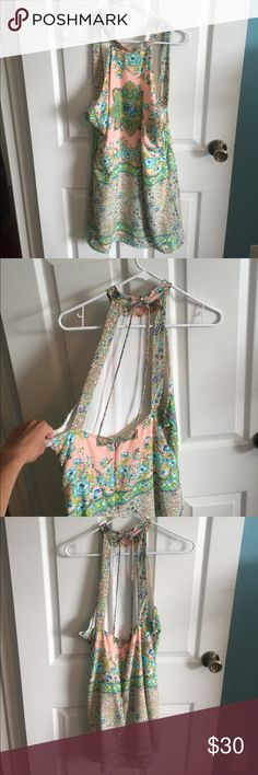 Floral dress NWT SIZE M. Perfect dress for summer Asos Dresses