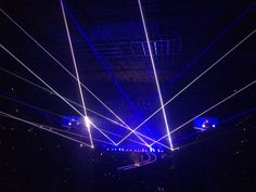 @codenix  ·  Aug 30 Lights at beginning of Who Wants to Love Forever. Love this song. #qal @ adamlambert @QueenWillRock