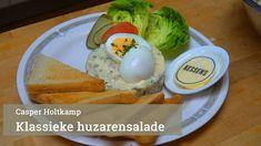 Klassieke huzarensalade van Casper Holtkamp - YouTube Paleo, Keto, Lunch Room, Dutch Recipes, Tapas, Kinds Of Salad, Vinaigrette, Dutch Food, Low Carb
