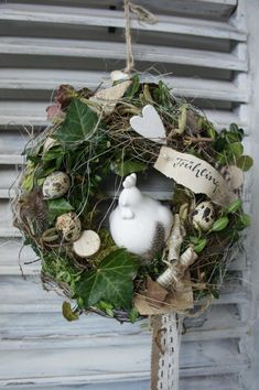 """Wreaths – wreath """"In love with roses …."""" – a unique product by Hoimeliges on DaWanda Door wreath chicken garden … Diy Spring Wreath, Summer Door Wreaths, Easter Wreaths, Diy Wreath, Christmas Wreaths, Christmas Decorations, Holiday Decor, Watercolor Flower Wreath, Driftwood Wreath"""