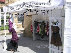 Folk fest in Mtn View Craft Show Booths, Craft Fair Displays, Craft Show Ideas, Store Displays, Boutique Displays, Boutique Ideas, Display Ideas, Quick And Easy Crafts, Clothing Displays