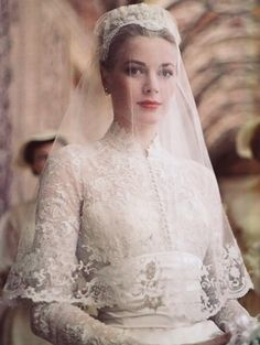 History In Pictures on Twitter: Grace Kelly on her wedding day, Monaco, April, 1956 http://t.co/HmJ9h0OknG