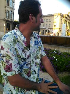 VIVE TU MODA: Camisa de flores men de H&M.