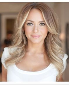 warm up your brighter blond locks with this great cool blonde look for fall.