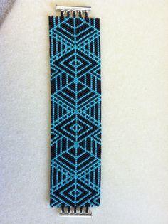 Wayuu Mochila pattern. Peyote Stitch Turquoise & Black Bracelet