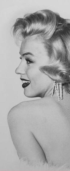 1953: Marilyn Monroe ….