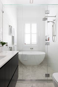 Wet Room Bathroom, Bathroom Renos, Family Bathroom, White Bathroom, Wet Room Shower, Classic Bathroom, Wet Rooms, Bad Inspiration, Bathroom Inspiration