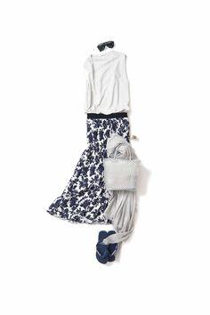 花柄を秋らしく、アンニュイに着る Wardrobe Sets, Capsule Wardrobe, Girl Fashion Style, Womens Fashion, Classy Outfits, Casual Outfits, Long Skirt Fashion, Tokyo Street Style, Minimal Fashion