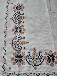 Cross Stitch Borders, Cross Stitch Charts, Cross Stitch Designs, Cross Stitch Embroidery, Cross Stitch Patterns, Hand Embroidery Design Patterns, Bohemian Rug, Pattern Design, Crochet