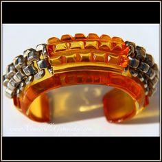 Bakelite Bracelet // Art Deco 1930s // Bangle by VaudevilleGypsy