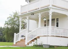 Sweden House, Front Porch Design, Railings, Balconies, House In The Woods, Chicano, White Wood, Exterior Design, Bro