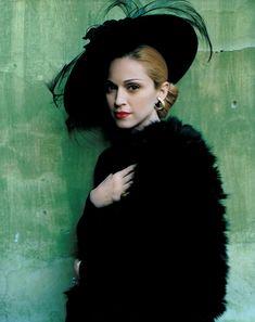 Madonna as Evita by Mario Testino, Vanity Fair 1996 Mario Testino, Madonna, Famous Photographers, Portrait Photographers, Britney Spears, Divas, Annie Leibovitz Photography, La Madone, Elsa Schiaparelli