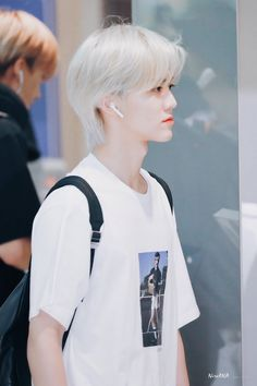 ♥°love someone without having to judge from the cover, he could look … # Humor # amreading # books # wattpad Winwin, Jaehyun, Nct 127, Nct Dream We Young, Ntc Dream, Rapper, Nct Dream Jaemin, Boyfriend Pictures, Na Jaemin