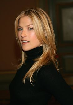 Charming seductress Ali Larter ... High-class Lady... The following year, she appeared in the comedy Legally Blonde with Reese Witherspoon. She played Brooke Taylor Windham, a widow accused of her husband's murder