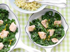 The Salmon and Spinach Skillet recipe out of our category Fish! EatSmarter has over healthy & delicious recipes online. Spinach Recipes, Salmon Recipes, Healthy Recipes, Healthy Drinks, Vegan Fast Food, Super Easy Dinner, Clean Eating, Healthy Eating, Healthy Food