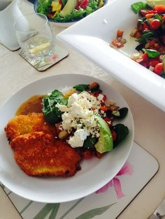 Panko crumbed organic chicken with spinach salad and feta cheese
