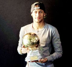 Neymar Jr received the Samba Gold trophy, which recognises him as the best Brazilian of the year based in Europe. Messi And Neymar, Messi And Ronaldo, Football Jokes, Football Fever, Good Soccer Players, Famous Men, Best Player, Fc Barcelona, Samba
