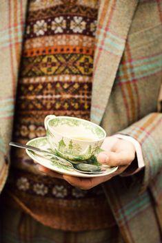 Plaid tweed coat and tea. English Country Manor, English Style, Country Life, English Countryside, Triquetra, Ann Street Studio, Tweed Run, Tweed Jacket, Autumn Tea