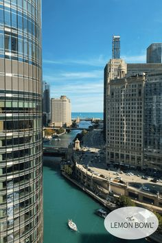 10 SPOTS FOR FOODIES IN CHICAGO The ultimate Chicago travel guide for foodies Im sharing ten dont-miss spots for your next visit to the Windy City plus tips on where to stay! Chicago Hot Dog, Visit Chicago, Most Luxurious Hotels, Chicago River, Need A Vacation, Wanderlust Travel, Greek Islands, Places To See, The Good Place