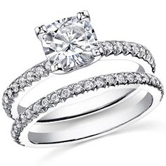 Cushion cut Moissanite Wedding Ring Set
