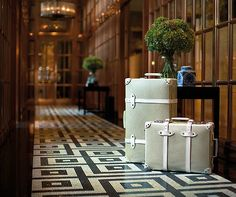 We bring you the best bespoke luxury travel collections, handpicked by our personal shoppers, who have over 60 years collective experience. Read our feature in 'A Luxury Travel Blog' http://www.aluxurytravelblog.com/2017/09/13/discover-the-best-bespoke-luxury-travel-collections/ www.Kensington-Bespoke.UK
