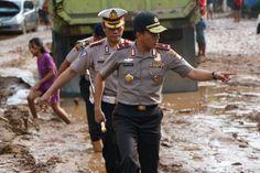 Kapolda Banten Pimpin Langsung Evakuasi Korban Banjir Bandang di Wilayah Labuan