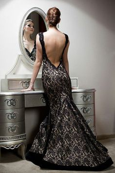 What a pretty style and wonderful dress