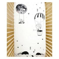 Touch the constellations and skip stones across the Milky Way with Frieda.Illustrated with love by Swantje Hinrichsen. Designed to fit US standard crib mattress