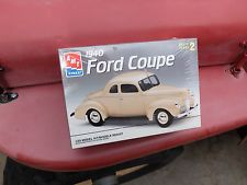 ERTL AMT 1/25 1940 Ford Coupe model car kit made in USA