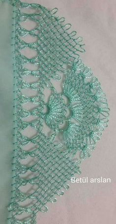 This Pin was discovered by Κασ Needle Tatting Patterns, Hand Embroidery Stitches, Knitting Stitches, Knitting Patterns, Crochet Patterns, Crochet Unique, Crochet Lace, Needle Lace, Bobbin Lace