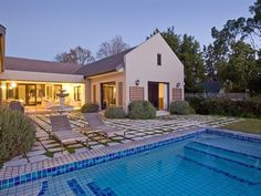 4 Bedroom House For Sale in Constantia