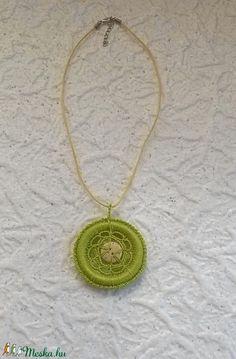 Zöld nyaklánc (Pixike) - Meska.hu