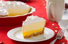 Bring a Triple-Layer Eggnog Pie to your next special occasion. This eggnog pie is composed of layers of caramel, eggnog, pudding and whipped topping. Kraft Recipes, Pie Recipes, Dessert Recipes, Cool Whip, Fondant Au Caramel, Eggnog Pie, Graham, Best Apples For Baking, No Bake Pies