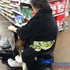 People of Walmart Part 105 – Pics 1