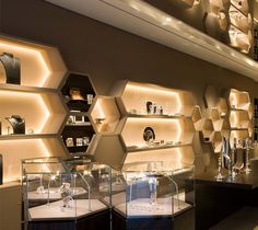 Beautiful jewellery shop interior design interior design for Jewellery showroom interior design images