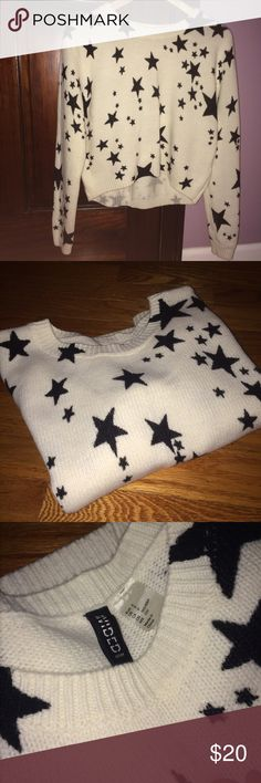 Black&White Star Knitted Sweater Really soft white knitted sweater with black stars. From H&M, size small. Longer in the from and a bit shorter in the back. Worn twice, no tag, perfect condition. H&M Sweaters Crew & Scoop Necks