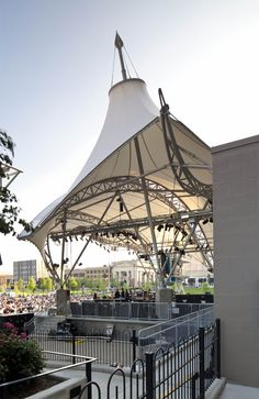 Award of Excellence for tensile structures 600-2300 sq.m: Columbus Commons Bicentennial Pavilion