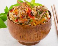 Nouilles légères aux fruits de mer, coco et curry : http://www.fourchette-et-bikini.fr/recettes/recettes-minceur/nouilles-legeres-aux-fruits-de-mer-coco-et-curry.html