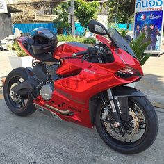 """New Arrival with Avery Dennison Conform Red Chrome in Ducati 899 Panigale Only One In Thailand by @wrapsociety @wrapsociety.club For More Information…"""