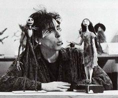 """Tim Burton with Jack e Sally of """"Nightmare before Christmas"""" Black and white Art Tim Burton, Tim Burton Kunst, Film Tim Burton, Estilo Tim Burton, Tim Burton Poems, Film D'animation, Film Serie, Jack E Sally, Tim Burton Personajes"""