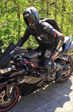 Bike Leathers, Motorcycle Suit, Bikers, Leather Men, Helmet, Motorcycles, Racing, Concept, Horses