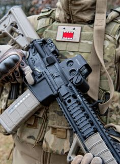 AR-15 Magpul Troy Industries EOTech KNS Precision Oakley Condor Outdoors Blackwater Gear Orca Industries