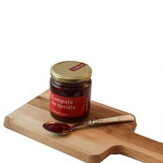 Tomato jam - If there is a product that represents more the concept of keeping the traditions alive this is one of them. The tomato jam is a must to have on your shelf. Do you think tomato and jam don't go together? Think again