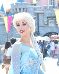 Disney Princess Makeup, Disneyland Princess, Disney Princess Costumes, New Disney Princesses, Disney Makeup, Princess Aurora, Disneyland Paris, Frozen Cosplay, Elsa Cosplay