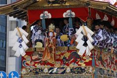 長刀鉾のお稚児さん。鉾の上で舞を披露します。 祇園祭 京都 kyoto gion festival