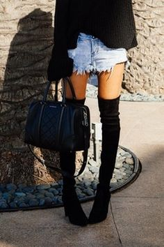 overknee boots and shorts - musthave couple for autumn/winter Berlin London SEA SEO SMM Thigh High Boots, Over The Knee Boots, Mode Style, Style Me, Girl Style, Jeans Casual, Casual Ootd, Look Fashion, Womens Fashion